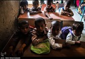 روستای گزاویز از توابع بخش مرزی آشار دارای 125 دانش آموز - در 6 مقطع ابتدایی در ساختمان اجاره ای است. با اینکه سالهاست از واگذاری زمین توسط اهالی این روستا به آموزش و پرورش جهت ساخت مدرسه می گذرد اما تا کنون هیچ اقدامی صورت نگرفته است.همچنین با گذشت 13 ر