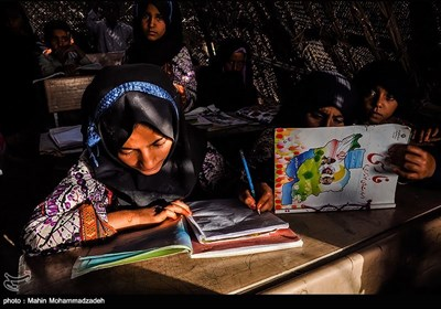 مدرسه کپری در روستای ملک آباد از توابع بخش مرزی اشار - سیستان و بلوچستان