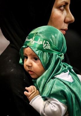 إحیاء مراسم الطفل الرضیع فی مصلی طهران