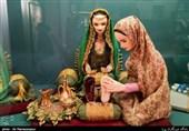 هویت سرزمین پهلوانان اساطیری ایران در سیاه دوزی یک عروسک + تصویر