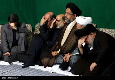 اقامة مراسم العزاء الحسینی بمشارکة قائد الثورة فی حسینیة الامام الخمینی (رض)