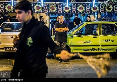 علیرضا داوود نژاد کارگردان سینما در مراسم عزاداری شبهای محرم
