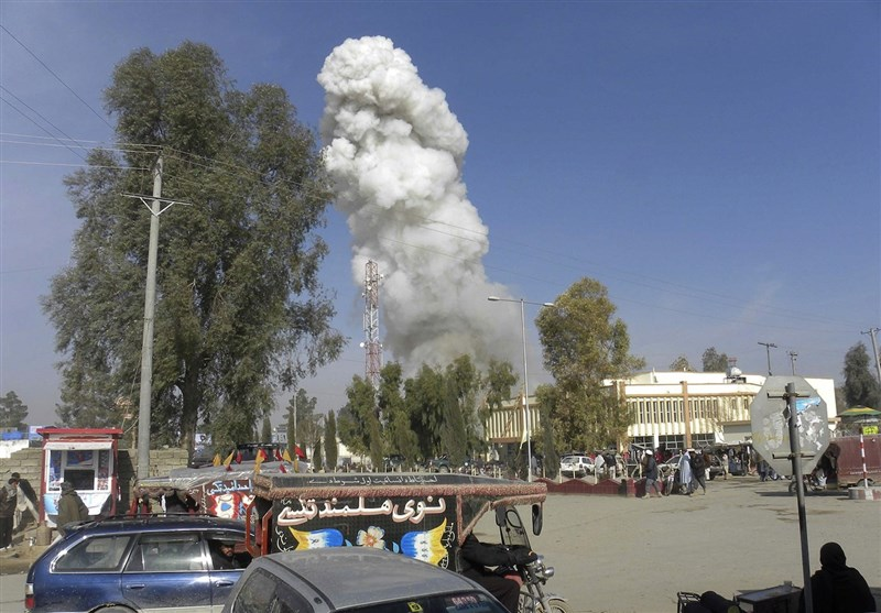 Afghan Official: Suicide Car Bomber Kills 14 in Helmand City