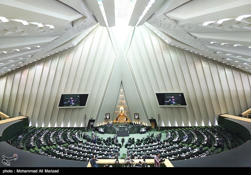 نمایندگان مجلس برای وداع با مرحوم آیتالله هاشمی به حسینیه جماران میروند