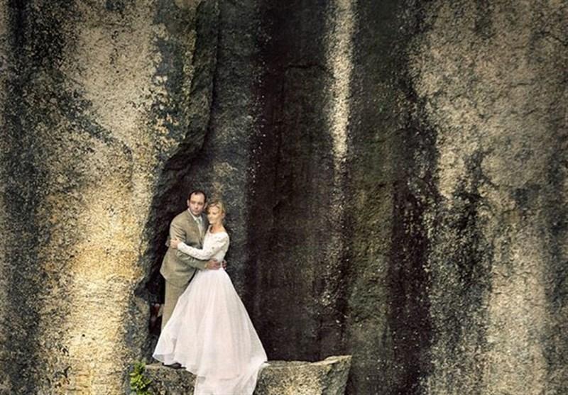عکاسی از عروس و داماد ماجراجو در لبه پرتگاه + عکس
