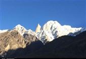 ہنزہ کے بلند ترین گاوں ڈویکر سے لیڈی فنگر کا دلنشیں منظر