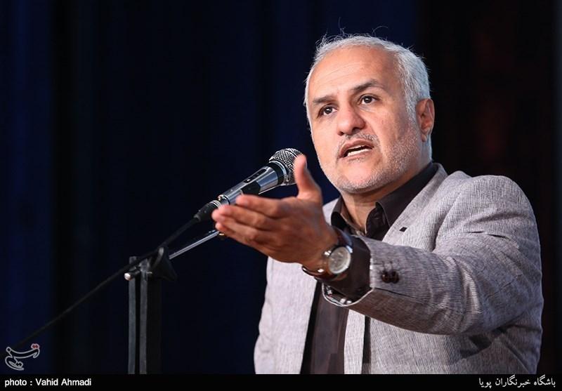 رشت| حسن عباسی: مردم بدانند از آمریکاییها آبی برای ایران گرم نمیشود