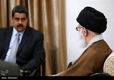 الإمام الخامنئی یستقبل الرئیس الفنزویلی