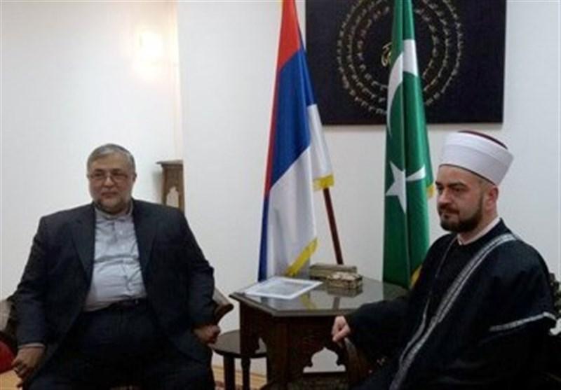"""رئیس هیئة علماء صربیا: ایران """"فخر الإسلام"""" وحاملة أعبائه"""