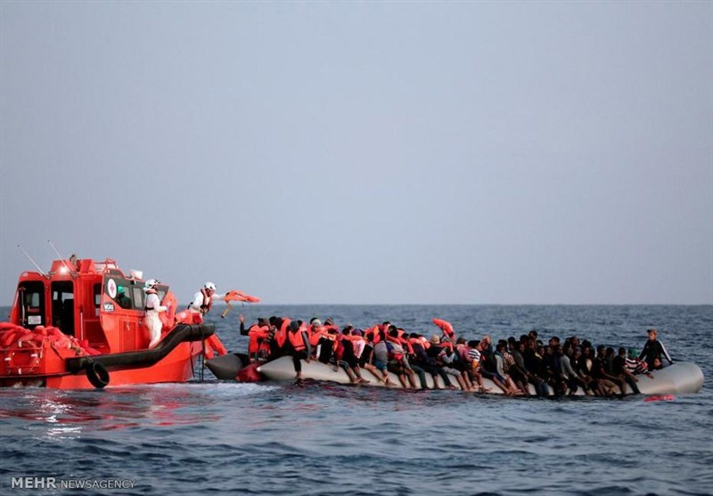 Italy Rescues 484 Migrants in Mediterranean Finds Seven Bodies