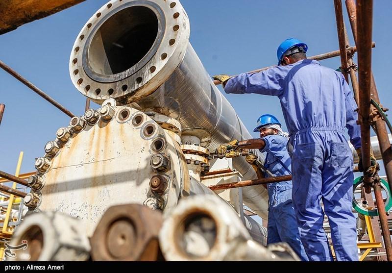 Fire at Tehran Oil Refinery Kills 6 People, Injures 2