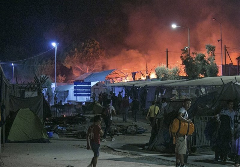 Migrants Protest at Greek Lesbos Refugee Camp, Service Offices Set on Fire