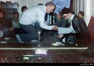 حضور مقام معظم رهبری در منزل شهید گل محمدی