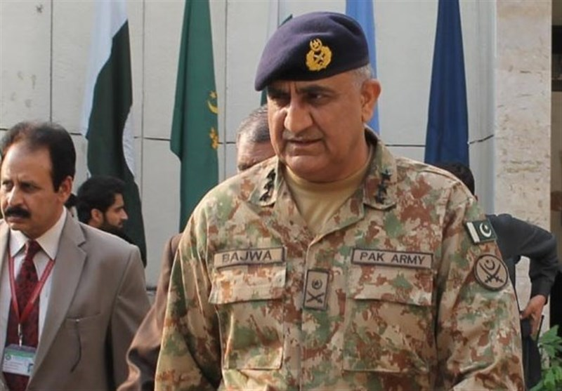 Pakistan's Army Chief Calls for Closer Tehran-Islamabad Defense Ties