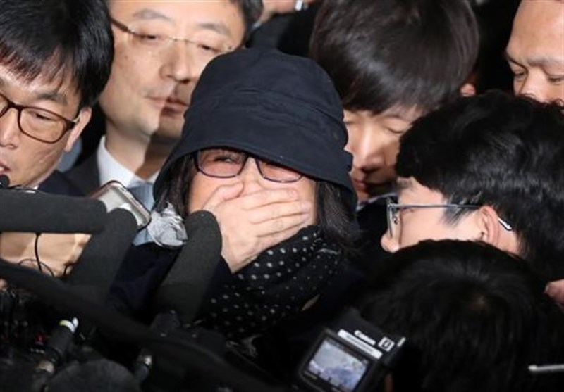S Korean Prosecutors Arrest Park Confidante at Center of Political Crisis