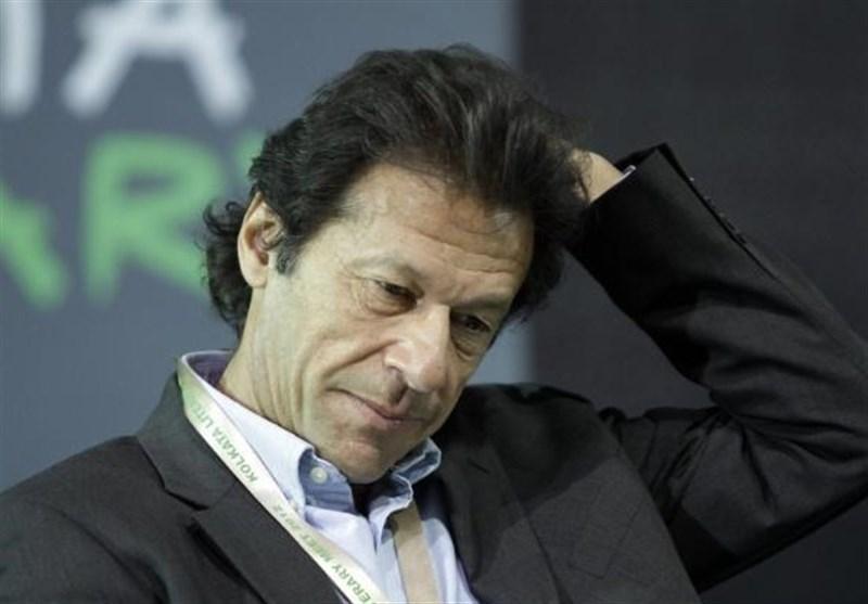 اندرونی اختلافات یا بیرونی دباؤ/ عمران خان کا دھرنا دینے کا فیصلہ تبدیل