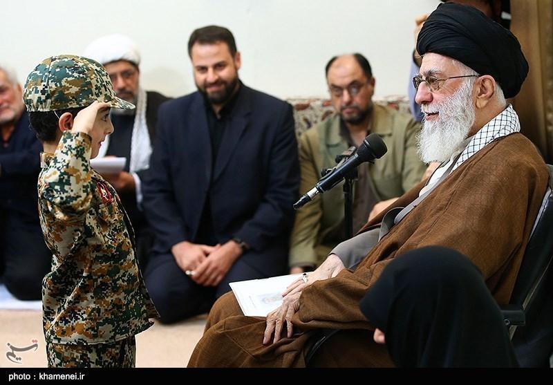 دیدار جمعی از خانواده شهدای مدافع حرم با مقام معظم رهبری