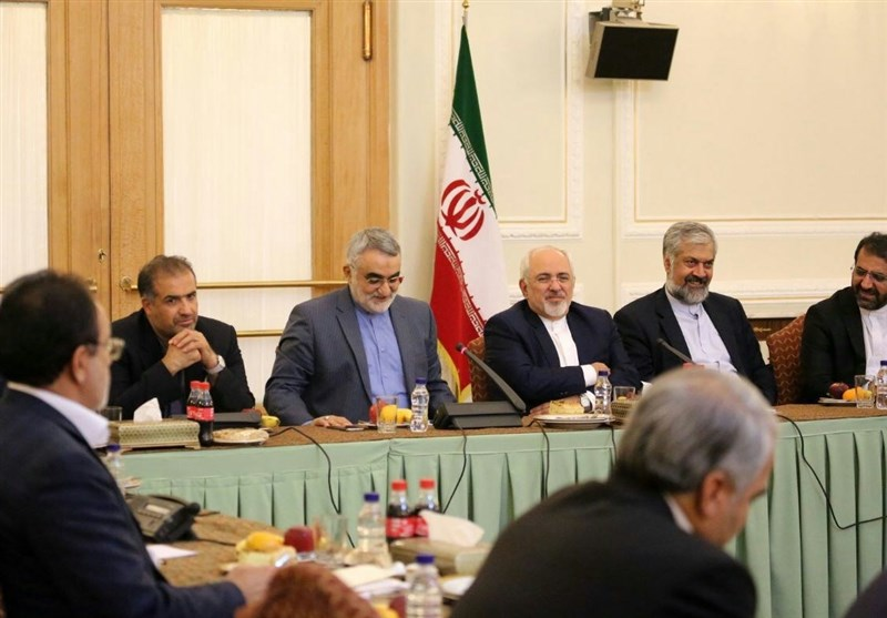 Iranian FM, MPs Discuss Foreign Policy Issues