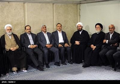 ایرانی طلبا و طالبات کا امام خامنہ ای سے ملاقات