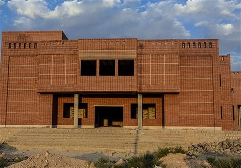 گرهگشایی بخش خصوصی در بزرگترین پروژه فرهنگی لارستان؛ کتابخانه مرکزی لار در مسیر توقف