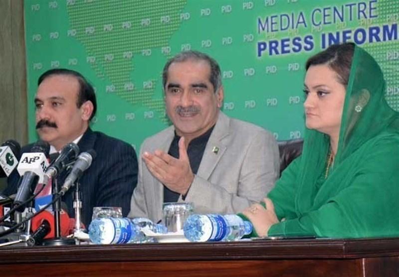 وزیر ریلویز خواجہ سعد رفیق نے ریلوے کرایوں میں 33 فیصد کمی کا اعلان کر دیا