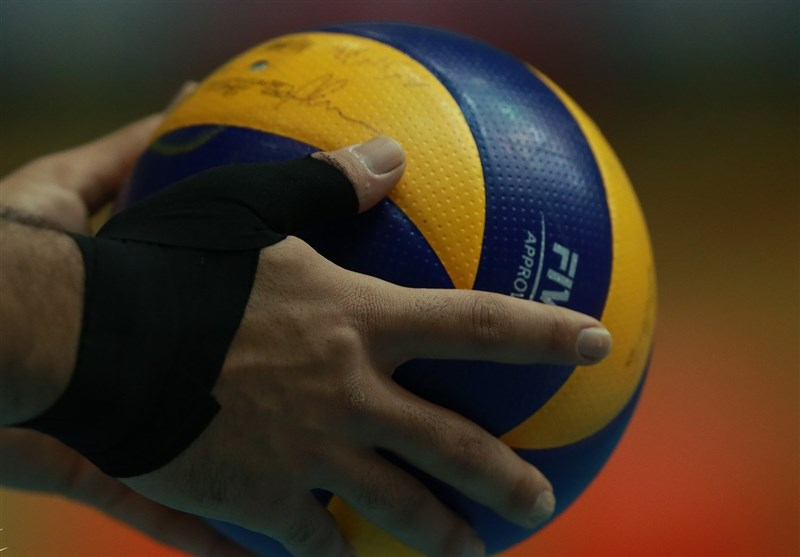 Paykan Volleyball Team on Verge of Signing Dutch Kay van Dijk