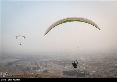 افتتاح موقع جدید لریاضة التحلیق بالمظلات فی غرب طهران