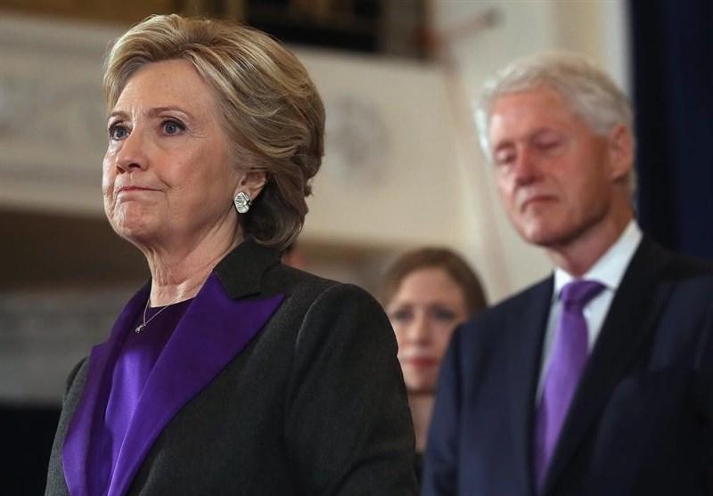"""کلینتون: الانتخابات أظهرت أن الولایات المتحدة """"منقسمة أکثر مما کنا نعتقد"""""""