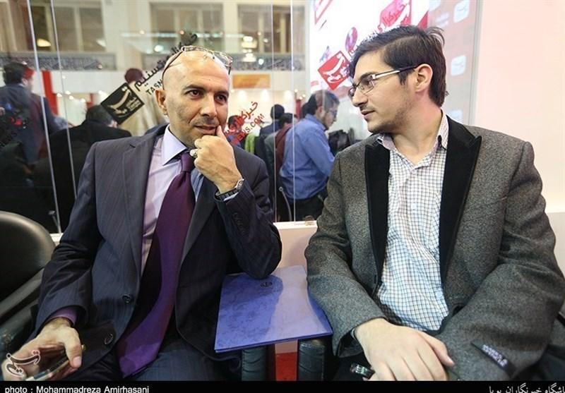 رئیس تحریر صحیفة المواطن العراقیة یزور جناح تسنیم