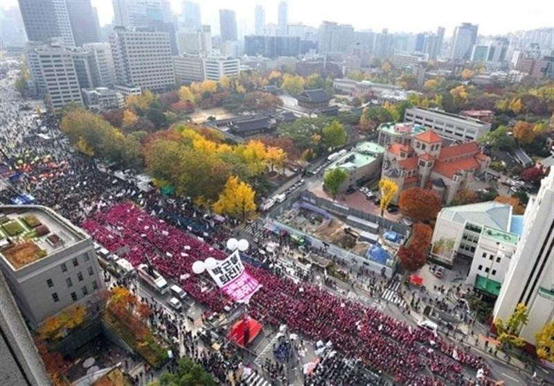 Massive Protest Heaps Pressure on S. Korea President