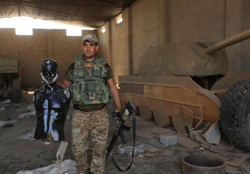عکس / استفاده داعش از مانکن ریشدار و تانک چوبی