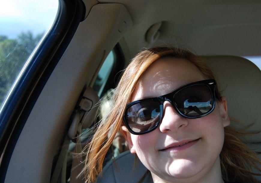 دختری که تکان دهنده ترین سلفی جهان را گرفت + تصاویر
