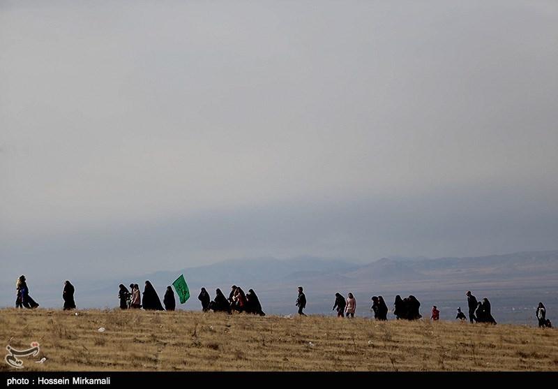گفتوگو با هنرمندان ایرانی در مسیر کربلا+فیلم