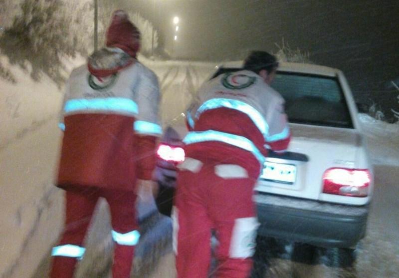 33 پایگاه امداد و نجات جادهای مازندران آماده امداد رسانی/تداوم بارش برف شدید در استان