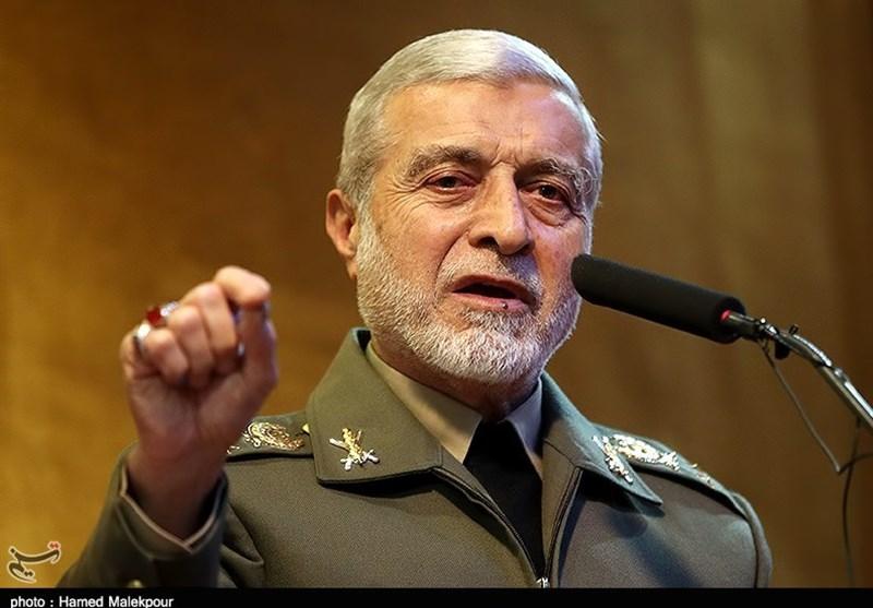 قائد الجیش الایرانی: مستعدون لمواجهة مغامرات الأعداء