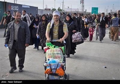 عودة زوار أربعینیة الإمام الحسین (ع) إلى البلاد ـ معبر مهران