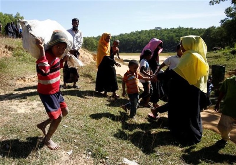 Police: At Least 12 Dead in Capsizing of Boat of Rohingya