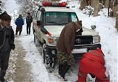 128 خودرو گرفتار در برف توسط راهداران استان فارس امدادرسانی شد