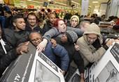 درگیری مردم در فروشگاه آمریکا