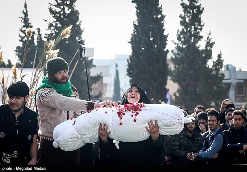 تشییع شهید گمنام در کوی دانشگاه تهران