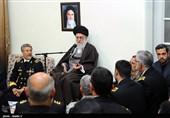 الإمام الخامنئی: یجب علینا تعزیز تواجد قواتنا البحریة فی المیاه الدولیة