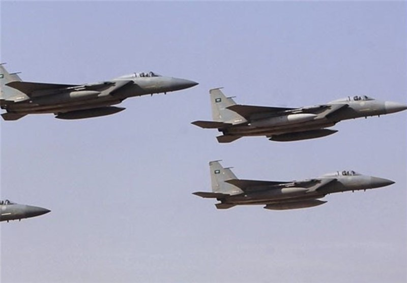 آل سعود کے جنگی طیاروں کی مغربی یمن پر 15 منٹ میں 30 بار بمباری