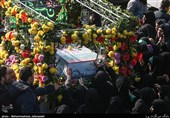 تشییع دو شهید گمنام در محله نعمت آباد تهران