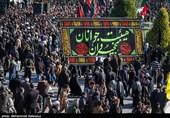 خیابانهای اطراف حرم امام رضا(ع) مملو از حضور عزاداران رضوی