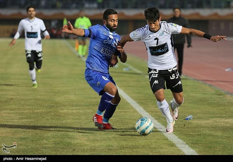 دیدار تیمهای فوتبال استقلال و صبای قم