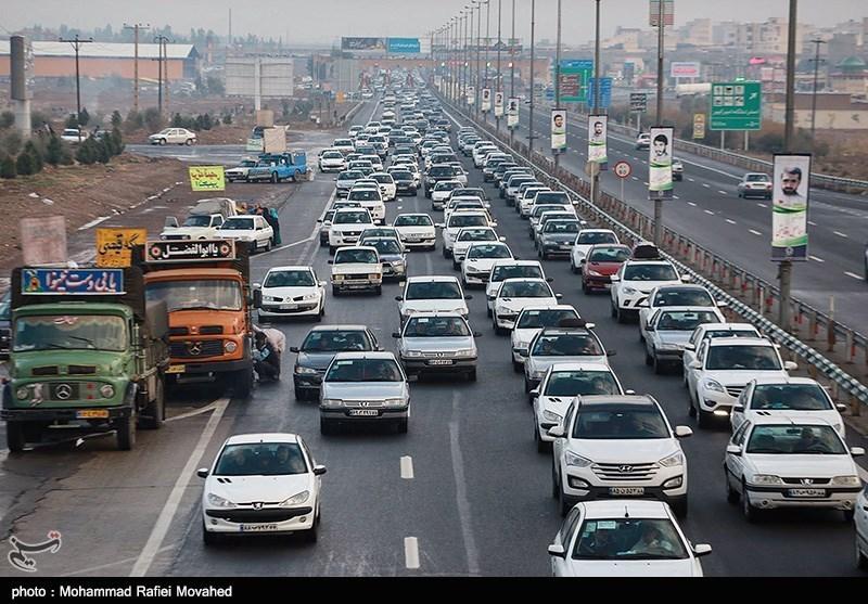 سالانه 20 هزار خودرو و موتورسیکلت جدید وارد همدان میشود