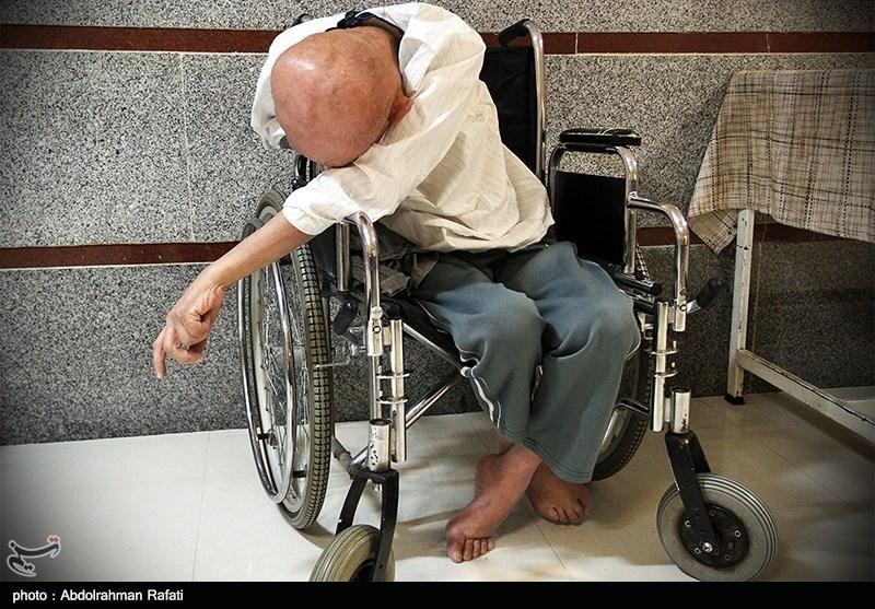 """مسئولان بهزیستی کردستان با """"ترحم و تمسخر"""" به معلولان نگاه میکنند"""