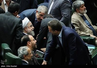 روحانی یقدم قانون میزانیة العام المقبل لمجلس الشورى الاسلامی
