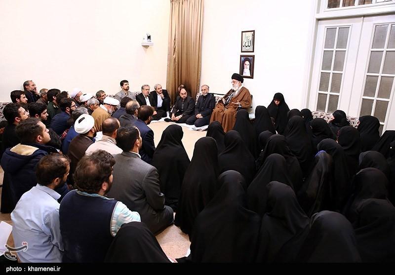 دیدار جمعی از خانوادههای شهدای مدافع حرم با مقام معظم رهبری