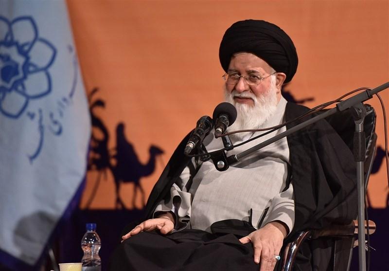 شاهد ذلت آمریکا هستیم/عموم قدرتهای دنیا مقابل ایران ایستادهاند